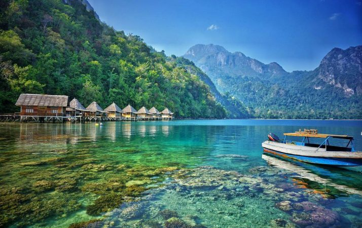 Pantai Ora Beach Resort, Maluku